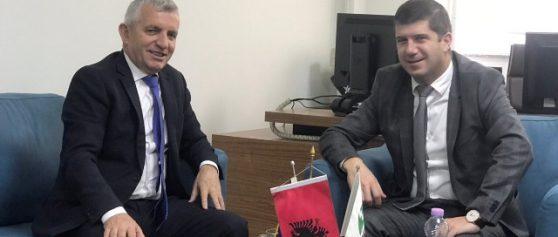 Drejtori i KEK-ut pret në takim ambasadorin e Shqipërisë, z. Qemal Minxhozi